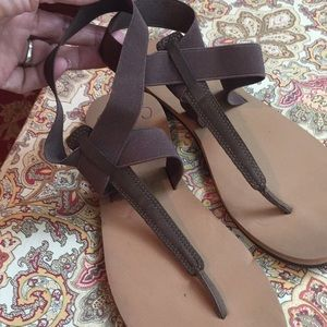Cushion reef brown sandals, size 11